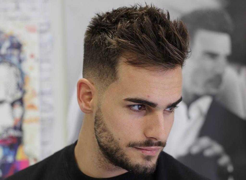 Использование геля для укладки коротких волос назад