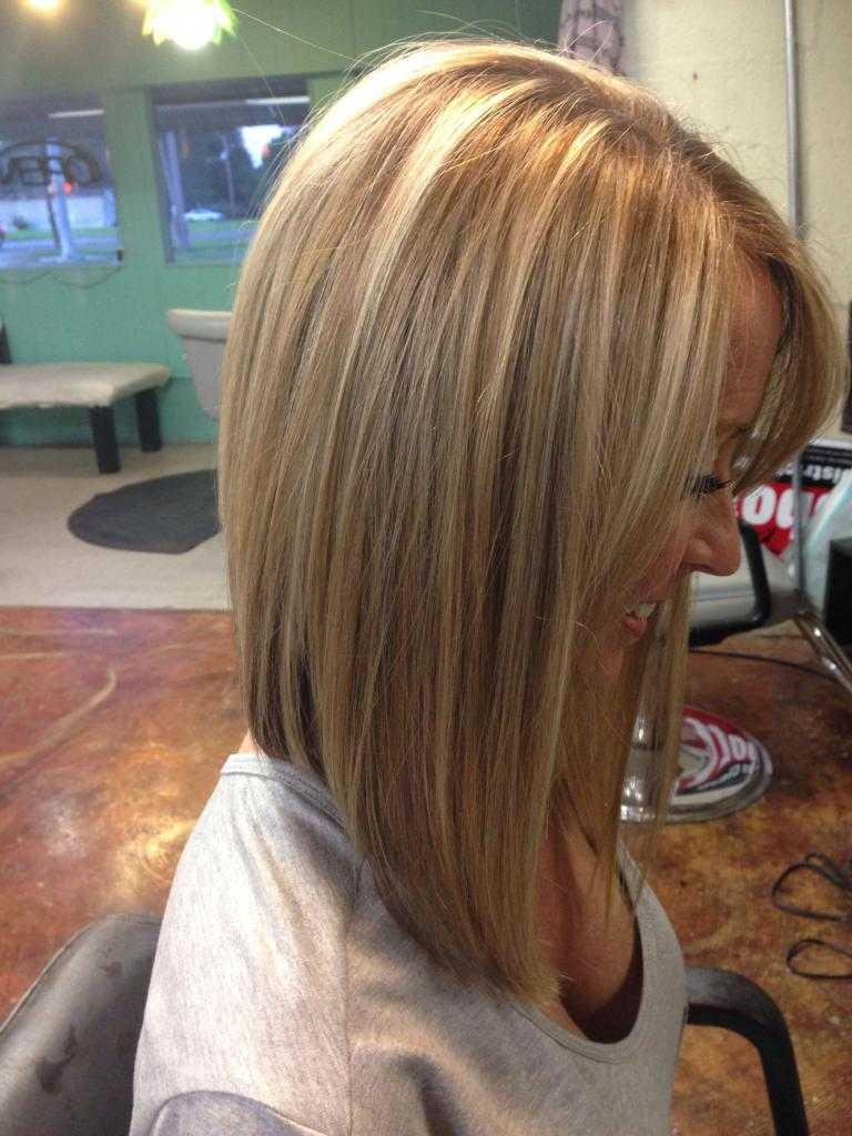 Удлиненное каре с челкой на средние волосы