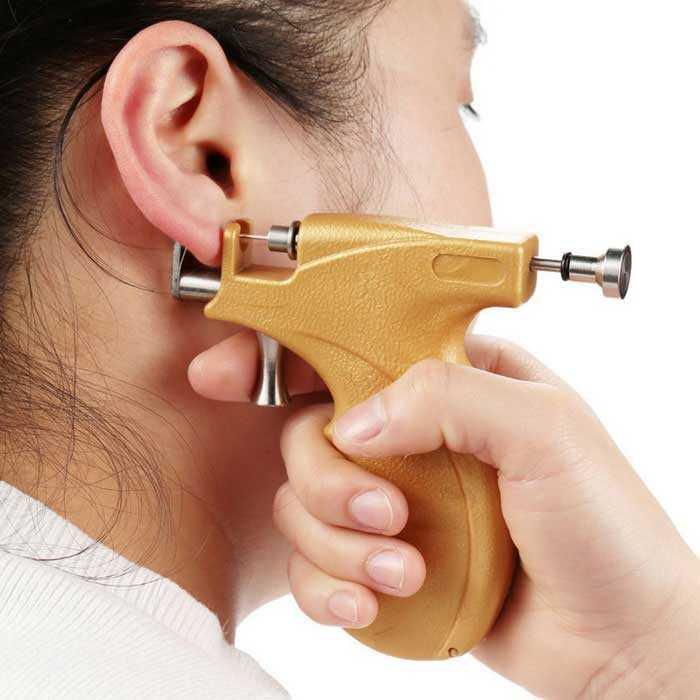 болят уши от простых сережек что делать