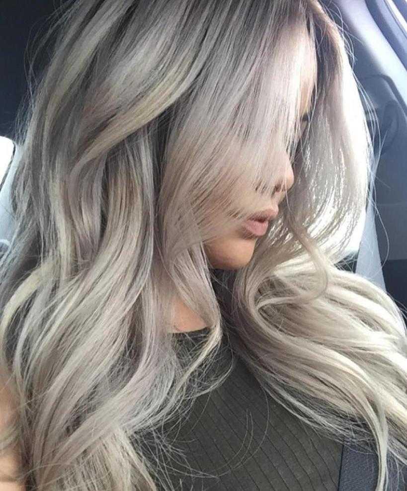 пепельный оттенок на длинных волосах